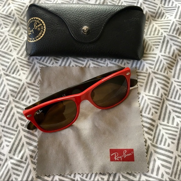 64e8e8a024 Authentic Ray-Ban New Wayfarer in Red Tortoise. M 5a930b543800c5fd3dca0667.  Other Accessories ...